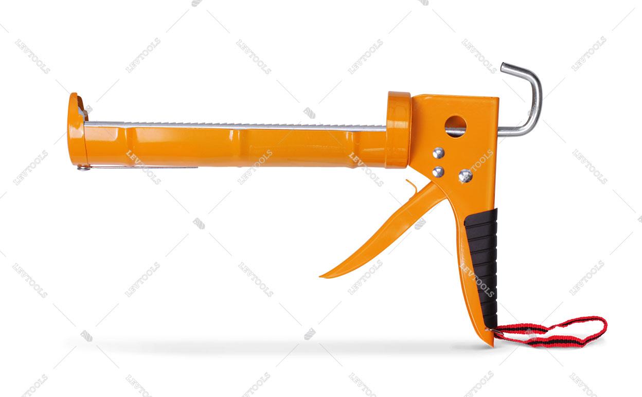Пистолет полукорпусной для герметика с трещоткой и обрезиненной рукояткой